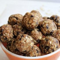 Healthy Snacks to Take on the Golf Course - Golf & Tours